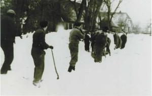 gezamenlijk sneeuw ruimen 1979 1 pg 31 wezup boek