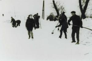 gezamenlijk sneeuw ruimen 2 1979 2 pg 31 wezup boek